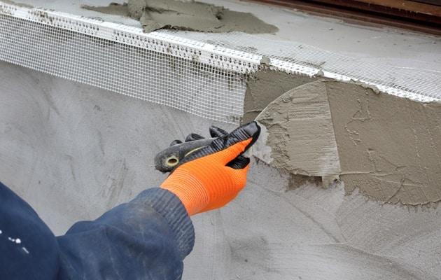 Rénovation de façade à l'aide de l'isolation et du crépi